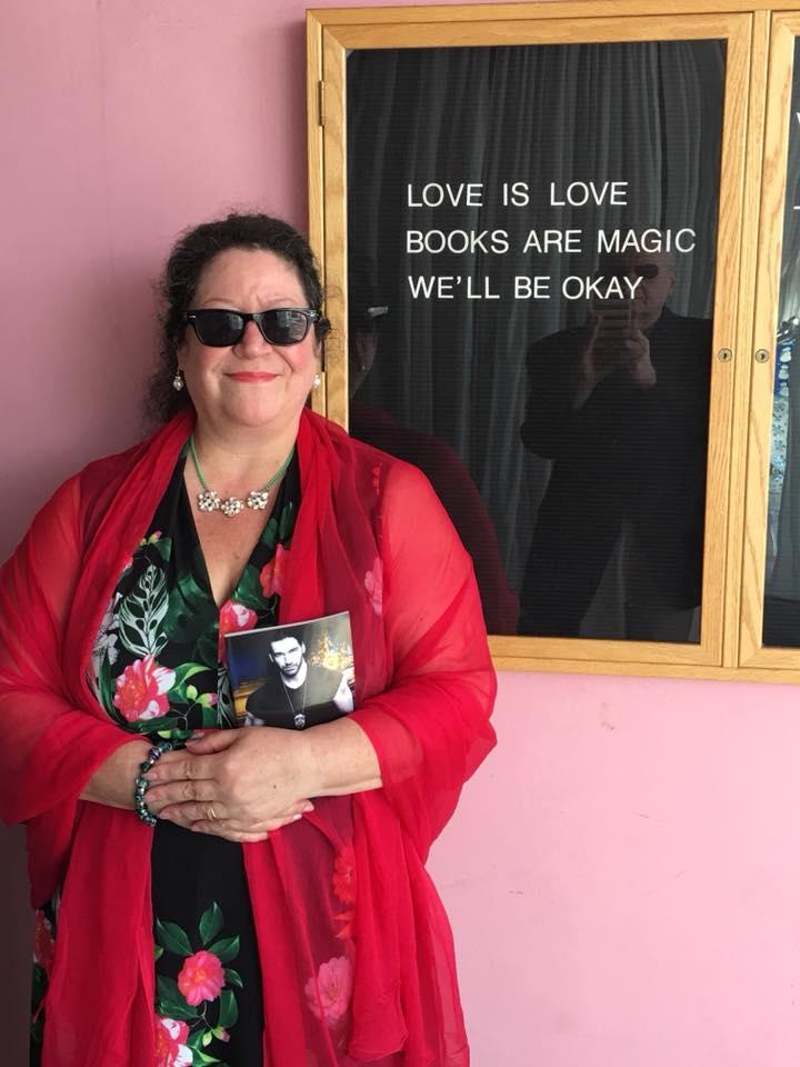 LS-at-Romance-Bookstore-in-LA-Jan-2-2018.jpg