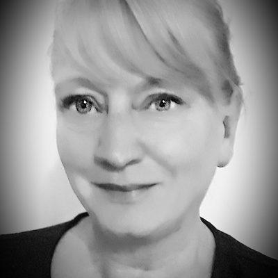 Liz-Davies-Author-photo-2019