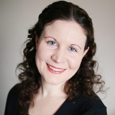 Lynn-Wallace-Author-Photo.jpg